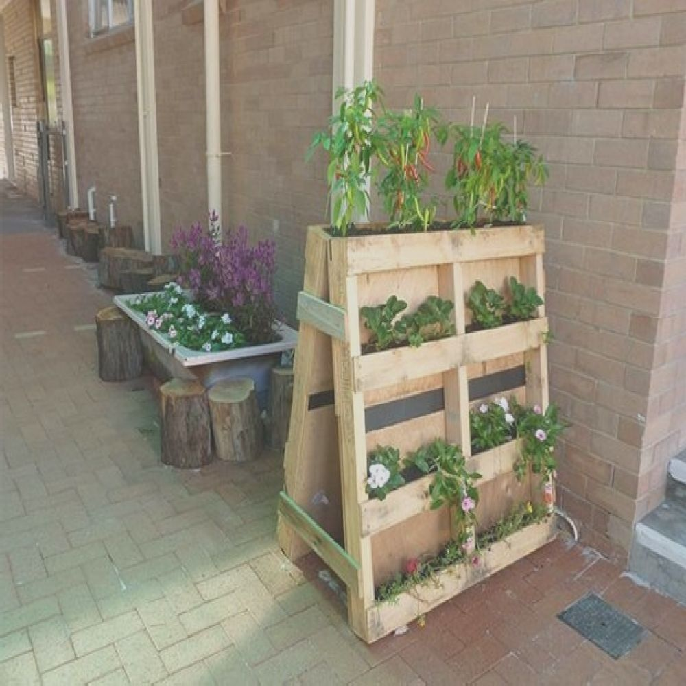 upcycled wood pallet planters