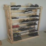 Zapateros Con Palets Lujopallet Shoe Rack With Shoes Wonder What The Bar Part Is
