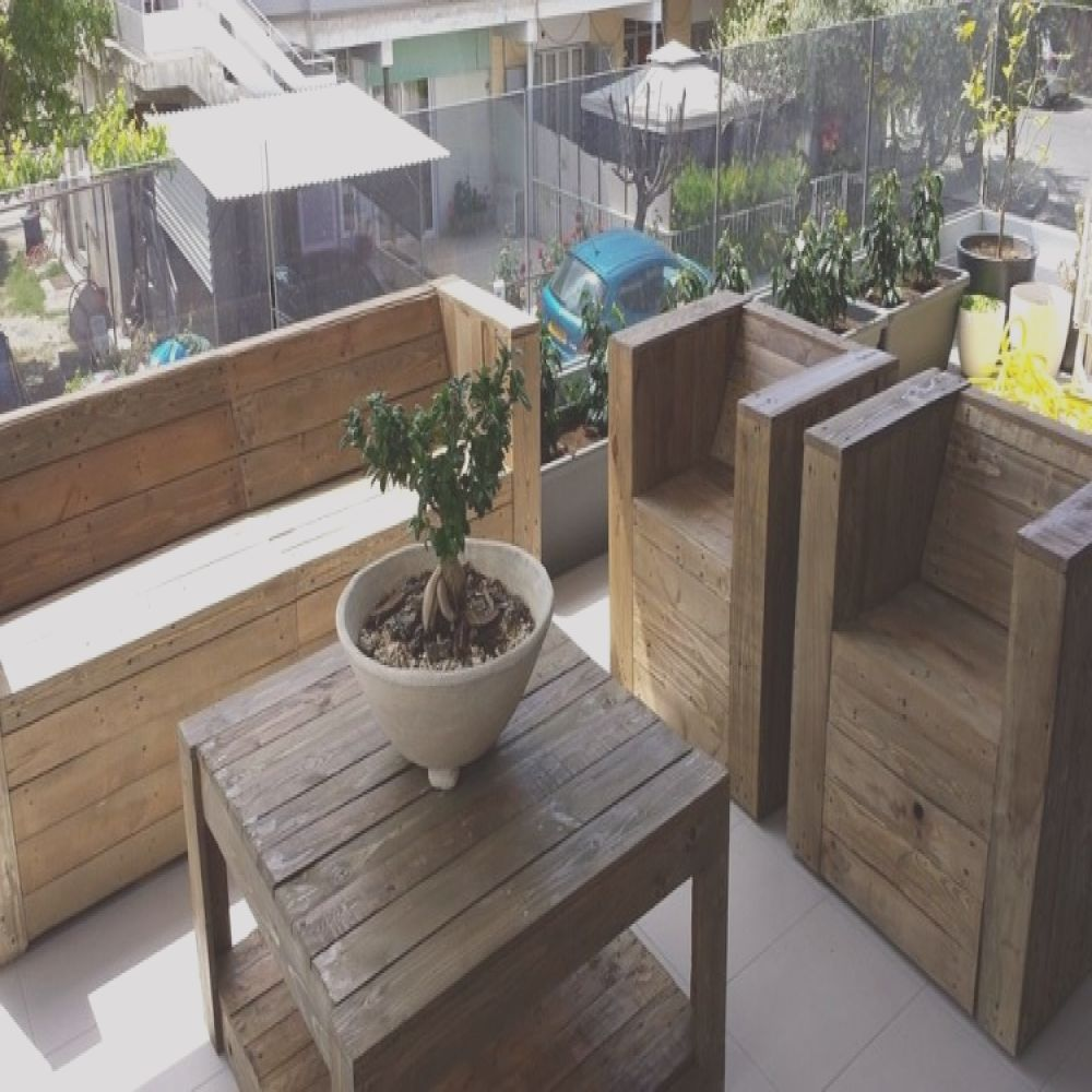 pallet wood made balcony furniture