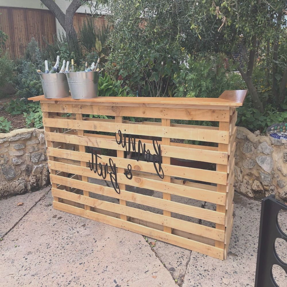super simple pallet bar i made for a friends