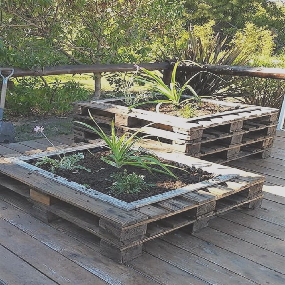 cleverly designed wooden pallet planter ideas