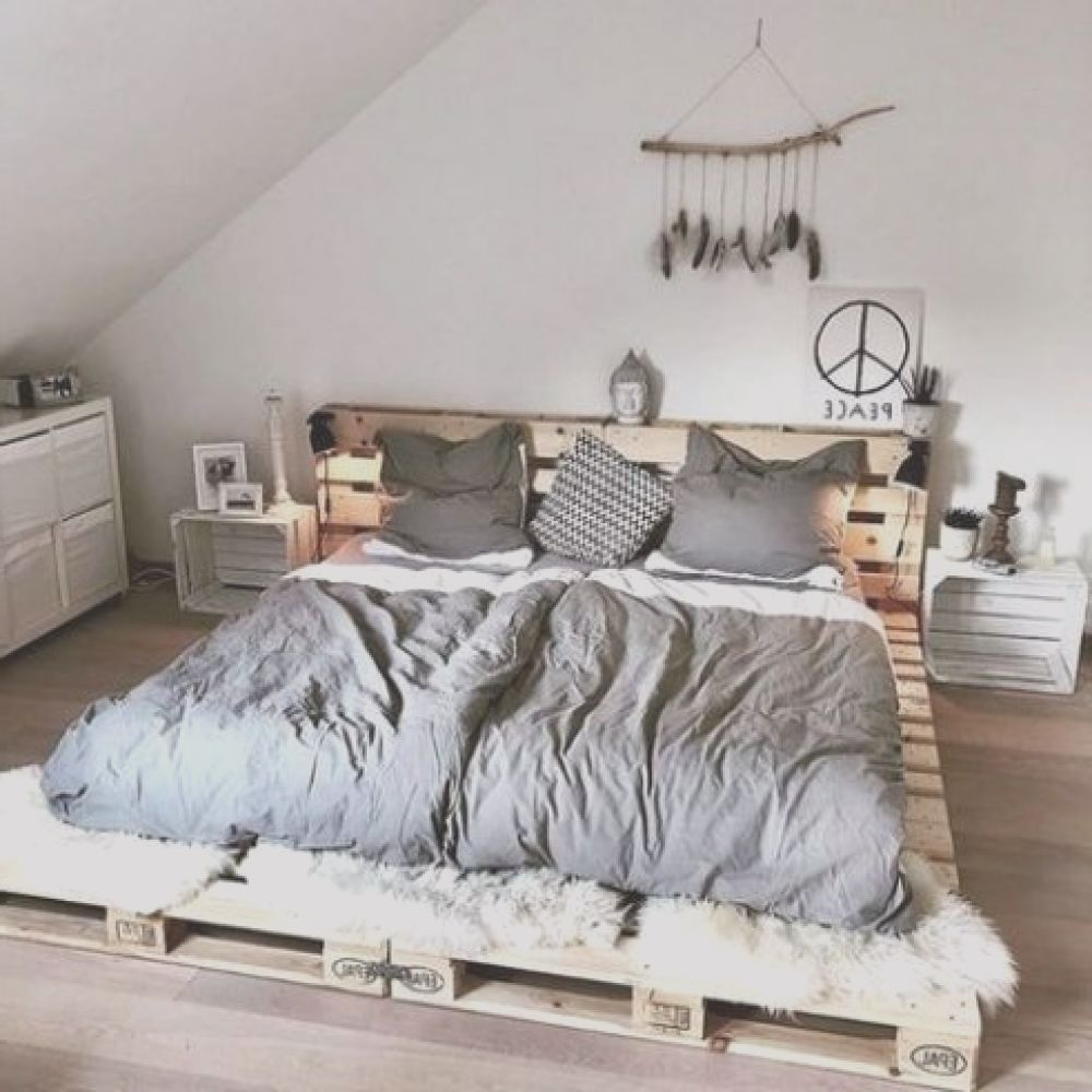 Cama Con Palet Único25 Pallet Beds And Daybeds For Indoors And Outdoors Digsdigs