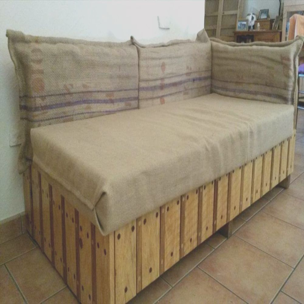 simple made pallet sofa