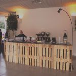 Bares Decorados Con Palets Únicocrimons Y The Royal Catering Crimons